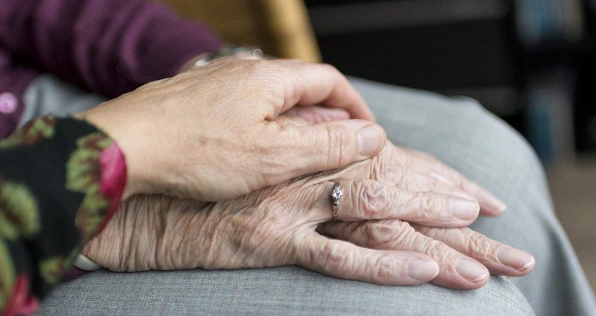 I più grandi rimpianti in punto di morte (e cosa dobbiamo imparare da loro)